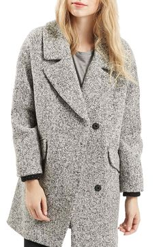 This adorable, slouchy coat is pure perfection. Can't get over this lovely 'cookies and creme' color, so versatile.
