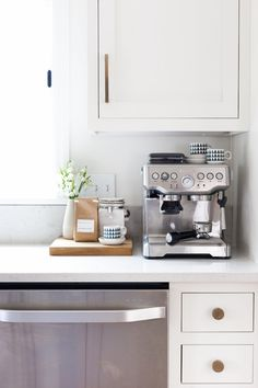 This Gorgeous Kitchen Makeover Will Stop You in Your Tracks (The Everygirl) Coffee Nook, Coffee Bar Home, Home Coffee Stations, Coffee Bars, Smart Kitchen, New Kitchen, Home Decor Kitchen, Home Kitchens, Kitchen Ideas
