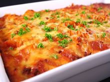 Fitness Blender& healthy Mexican Lasagna recipe is loaded with vegetables and delicious! Healthy Vegetarian Lasagna, Vegetarian Recipes, Healthy Recipes, Healthy Foods, Mexican Lasagna With Tortillas, Pasta Recipes, Cooking Recipes, Recipe Pasta, Sausage Recipes