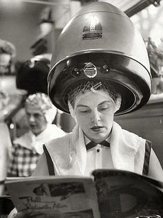 A once common weekly (or thereabouts) occurrence. #vintage #beauty #parlor #hair