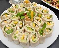 Kollokvietapas Vegan Recipes, Vegan Food, Tofu, Cantaloupe, Tapas, Zucchini, Sushi, Food And Drink, Vegetarian
