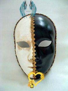 Full Face 1/2 Black 1/2 White - Venetian Masks - 1001 Venetian Masks Full Face 1/2 Black 1/2 White<br> Carnival Makeup, Venetian Masks, Full Face, Neymar, Skull, Black, Art, Black People, Kunst