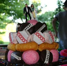 BrideTide Blog - Wedding Resource: Twinkie Wedding Cakes!