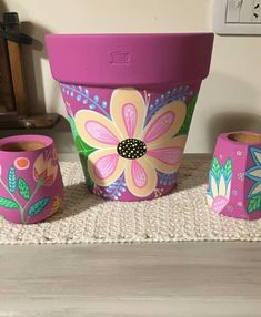 Clay Pot Projects, Clay Pot Crafts, Diy And Crafts, Plant Pots, Potted Plants, Clay Flower Pots, Painted Pots, Pottery Painting, Terracotta Pots