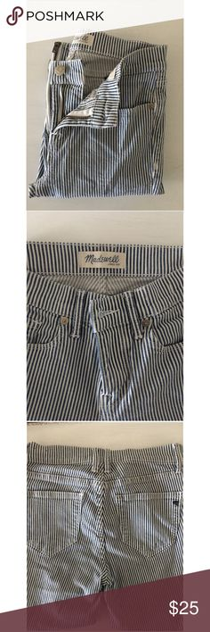 Madewell Stripped Jeans Blue and white striped jeans | Super comfortable and stretch material | Worn minimally | Has zipper on each side of leg which can be worn zipped or unzipped Madewell Pants Skinny