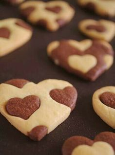 Valentines day treats. i wish i had the patience to make these. ;p