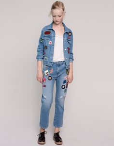 Pull&Bear - mujer - vaqueros - vaquero girlfriend fit con parches - azul - 09684331-I2015