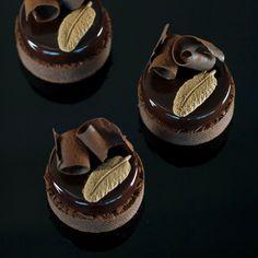 281 mentions J'aime, 7 commentaires – Marike van Beurden (@marikevanbeurden) sur Instagram : «Oh chocolate I so do love you ;)) Black Forest tarts #cherry #chocolate #vanilla #blackforest…»