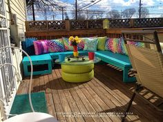 Rainbow Style Deck and Seating Area Deck Seating, Outdoor Seating, Outdoor Decor, Outdoor Ideas, Cheap Furniture, Furniture Projects, Outdoor Furniture Sets, Pallet Furniture, Diy Patio