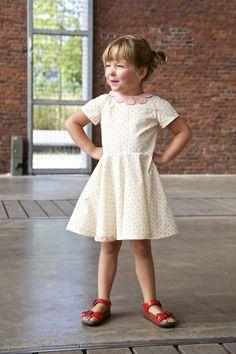 Compagnie-M_Ileana_dress. Love the raglan sleeves and flowered detail.