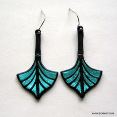 Vikingeskibs-øreringe. Dangle earrings. Friendly plastic. Tassel Necklace, Turquoise Necklace, Pendant Necklace, Karin Schmidt, Friendly Plastic, Charm Jewelry, Dangle Earrings, Dangles, Charms