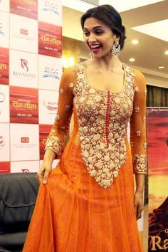 Deepika Padukone pose with her cute smile at Ram Leela film promotion