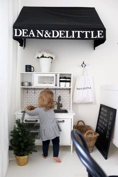 Homevialaura | Kids room | Little Christmas | Ikea Duktig play kitchen hack