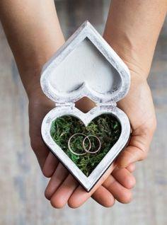 Шкатулка для колец в виде сердца