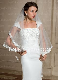 Wedding Veils - $38.99 - Waltz Veils Tulle One-tier Lace Applique Edge Wedding Veils With Classic (006024476) http://jenjenhouse.com/Waltz-Veils-Tulle-One-Tier-Lace-Applique-Edge-Wedding-Veils-With-Classic-006024476-g24476