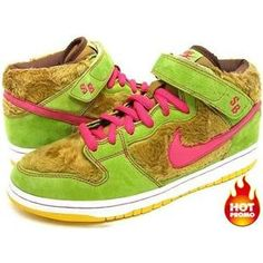 purchase cheap 5870e 804de Premium SB-Mama Bear Three Bears Edition Light Umber Watermellon Nike Sb  Dunks, 3