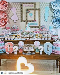 Revelation tea is the new trend and creative way to reveal the sex of the baby Have you ever heard of Revelation Tea? Baby Shower Gender Reveal, Baby Gender, Baby Shower Themes, Baby Boy Shower, Shower Ideas, Birthday Party Decorations, Party Favors, Gender Reveal Decorations, Gender Party