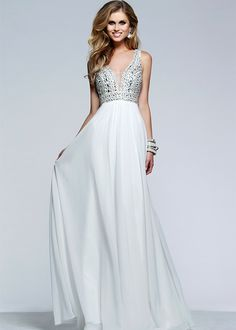 Brides: The Best Dress Styles for the Pregnant Bride