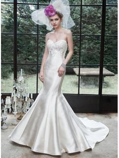 8f854767bf67 Okouzlijící   dramatický Výšivka Empírové Svatební šaty 2015 Maggie Sottero  Wedding Dresses