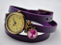 Echtleder Wickelarmbanduhr in lila mit Cabochon