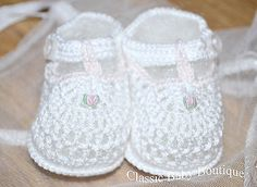 Petit Ami White Pink T Strap Crochet Baby Booties Small Newborn Girls Shoes