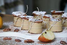 Perfekt für kleine Liebesbotschaften: die Apfel-Pekannuss-Küchlein.