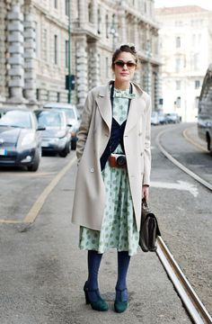 wish i was in her shoes (in milan) and had that dress, those shoes, and that stunning coat.