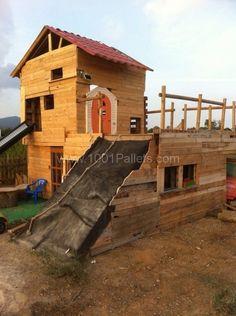 image14 597x800 Pallet children house in pallet garden pallets architecture  with Pallets Kids House