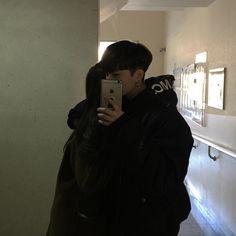 ✿~ Pinterest : fernweh95 ~✿ #couplegoals #couple #ulzzang #korea #korean #love Couples Coréens, Cute Couples Goals, Couples Images, Wanting A Boyfriend, Boyfriend Goals, Ulzzang Couple, Ulzzang Girl, Ulzzang Korea, Couple Relationship