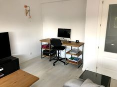 Escritorio Cosmopolitan - Muebles rústicos a medida Corner Desk, Furniture, Home Decor, Wood Benches, Custom Furniture, Rustic Furniture, House Decorations, Solid Wood, Light Oak