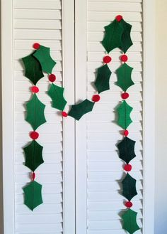 Felt holly leaf and alternating berry garland. 15 feet long, great for a mantle or Christmas tree, draped over a table, or around a door frame. There are several different green colors for the leaves, and they are randomly placed throughout the garla Paper Christmas Decorations, Christmas Crafts For Kids, Simple Christmas, Holiday Crafts, Christmas Diy, Christmas Ornaments, Santa Crafts, Homemade Christmas, Vintage Christmas