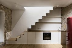 View full picture gallery of Fienile Staircase Storage, Interior Staircase, Staircase Design, Kitchen Interior, Interior Design Living Room, Kitchen Under Stairs, Casa Loft, Stair Handrail, Railings