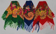 Lenços de cabeça de trajes femininos de festa, Lavradeiras de Viana do Castelo, Sta Marta de Portuzelo e Geraz do Lima