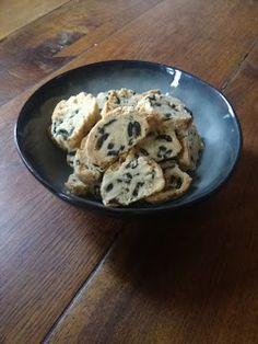 Emancipations culinaires d'une petite fille inspirée par sa grand-mère: Croquants amandes et olives : la solution apéro !