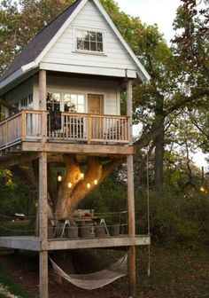 Wouldn't this be a cool idea for a pond house...picnic area beneath and sleeping accommodations in the trees!
