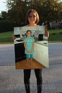 Seven Thirty-Three: Unique First day of school picture. Cute way to show how much your child has changed each year of school! Hold a blank board-to photoshop in picture of the year before! love it!