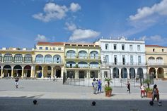 Cuba2day- places to visit in Havana | Plaza Vieja or Old Square in english, is a large square located in the heart of the Old city. It was originally named New Square or Plaza Nueva since the foundation in 1559. The square was the place of executions, processions, bullfights, and parties