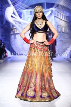Kangana Ranaut for JJ Valaya at the Indian Bridal Fashion Week 2013, indian bridal couture