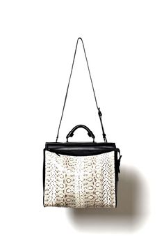a49cff0be3a03 44 Best It's in the Bag images | Fashion handbags, Purses, Fashion bags