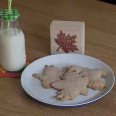 Easy recipe to cook with kids - perfect for autumn baking with lightly spiced flavour this cookie dough can be made ahead of time and baked when wanted. #cookie #cookingwithkids #autumnrecipe #vbcforkids Healthy Family Meals, Kids Meals, Easy Meals, Leaf Cookies, Cinnamon Cookies, Autumn Crafts, Family Kitchen, Fall Baking, Cooking With Kids