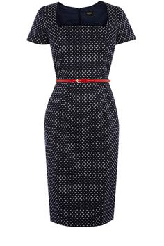 Vintage inspired, this wiggle style has short sleeves and nipped in waist with waist belt. Finishing on the knee, this piece zips up the back.