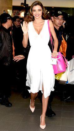 MIRANDA KERR The supermodel appears at the Samantha Thavasa 20th Anniversary event at the Harbour City Samantha Thavasa Store in Hong Kong.   E! Online Estilo Miranda Kerr, Miranda Kerr Style, Fashion Pants, Fashion Models, Fashion Outfits, Women's Fashion, Vogue Mexico, Christian Louboutin So Kate, Victoria Dress