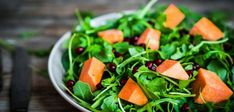 Fresh arugula and spinach salad with pumpkin on rustic backgroun Cayenne Pepper Cleanse, Vegan Restaurants, Plant Based Protein, Spinach Salad, Vegan Foods, Arugula, Best Diets, Healthy Fats, Diet Tips