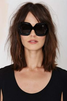 Quay all day in the Rock Baby Shades. Honey Blonde Highlights, Blonde Layers, Pretty Hairstyles, Easy Hairstyles, Rectangle Face Shape, Dramatic Hair, Dream Hair, Long Bob, Look Chic