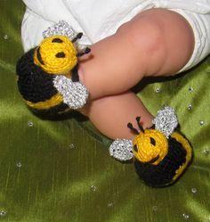 madmonkeyknits Baby Buzzy Bee Bots pdf download booties knitting pattern.  Etsy.