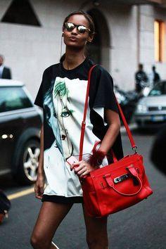 7752551192d38 valuhfashionjournal  Malaika Firth leaving Prada   MFW street style   shot  by Valentina Botta