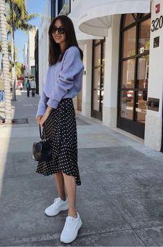 Mettre une jupe avec des baskets : 5 looks – Taaora – Blog Mode, Tendances, Looks