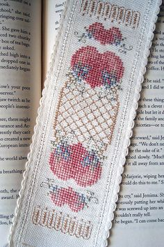 Treasured Love Bookmark (pdf pattern - click bottom link)