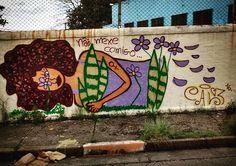 Não mexe comigo que eu não ando só  #graffiti #grafite #graffitifeminista #womanart #espadadeogum #proteção #caluz   (em Vila Constança ZN)
