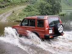 Land Rover Discovery (1998 – 2003). Water? No problem! (I've done it)